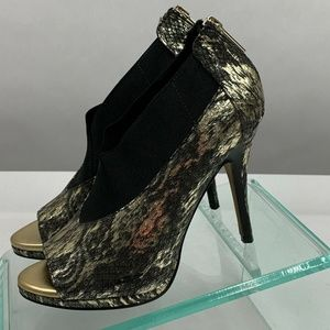 Donald Pliner Shoes Gold Black Heels 6 M Peep Toe